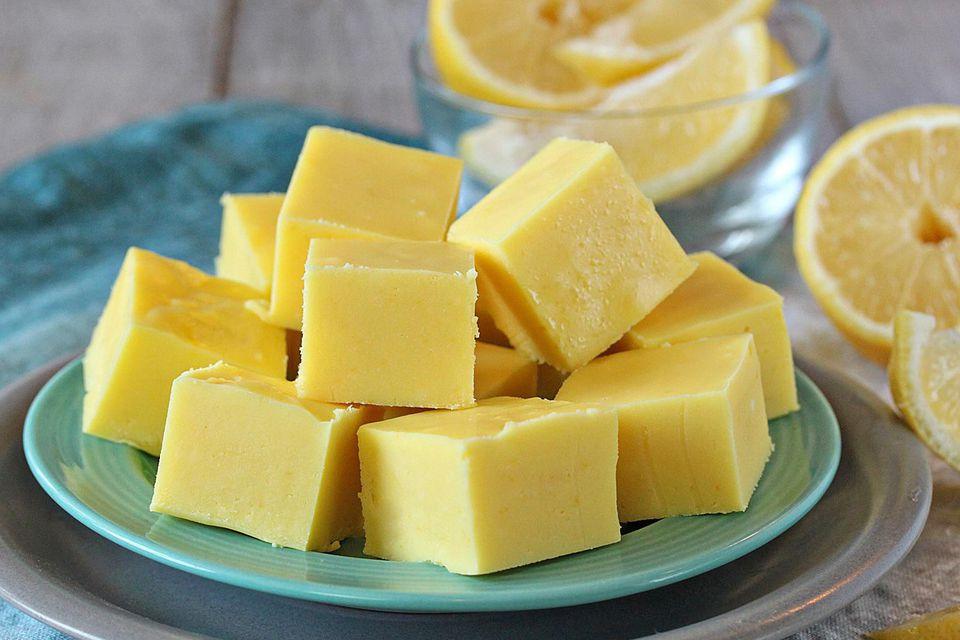 A plate of lemon fudge.