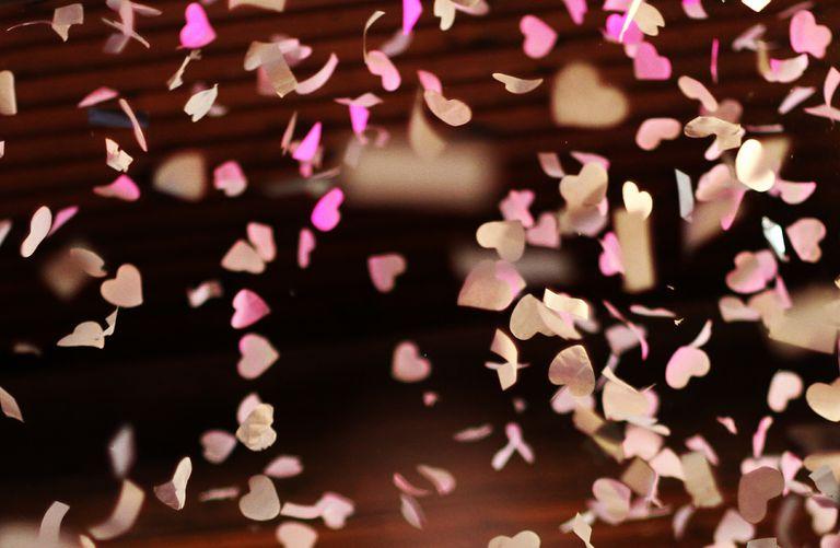 valentine party games - confetti