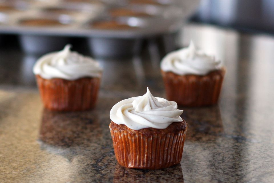 Carrot Cupcakes With Vanilla Cream Cheese Frosting