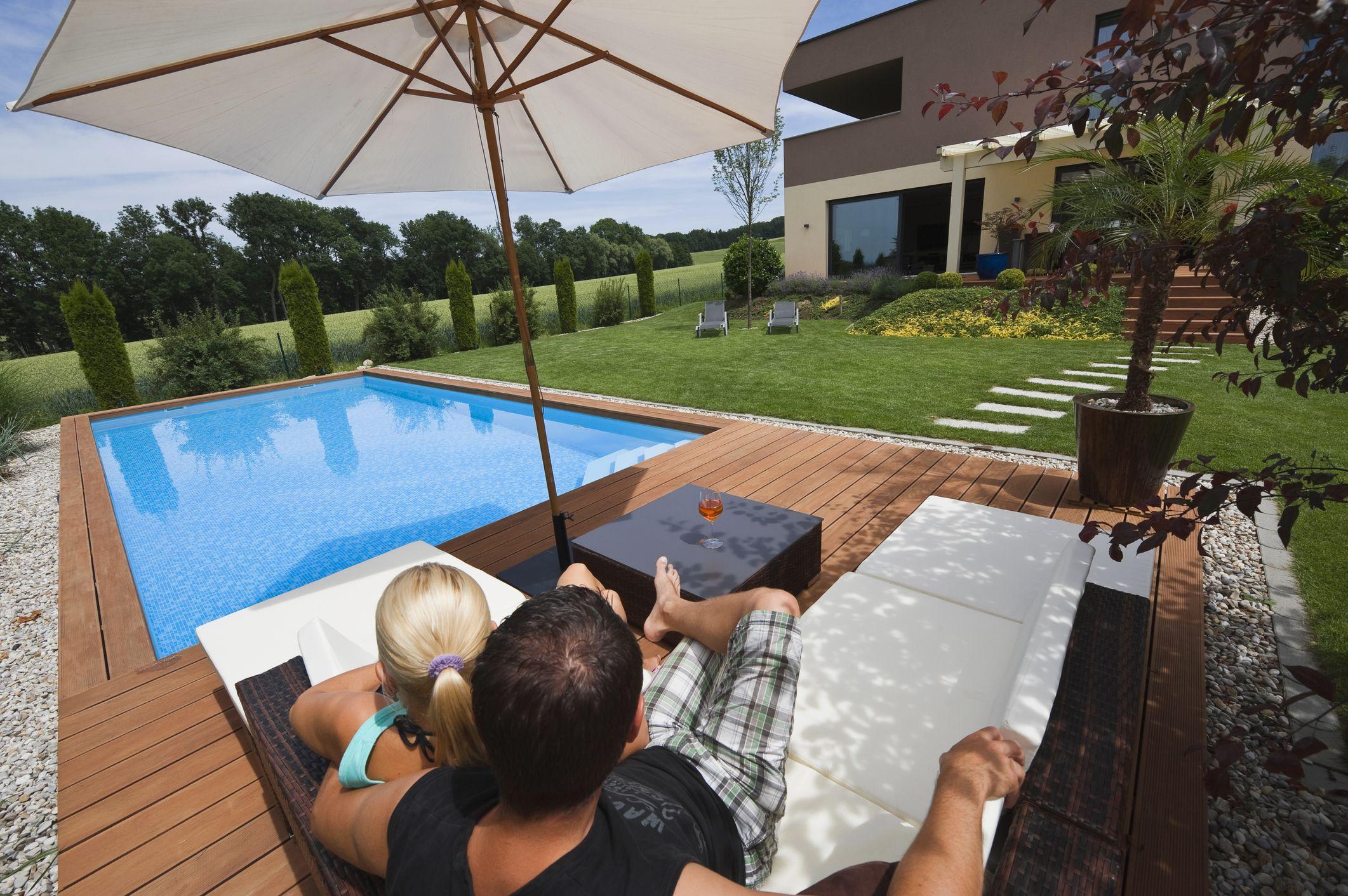 11 ways to create a more relaxing backyard