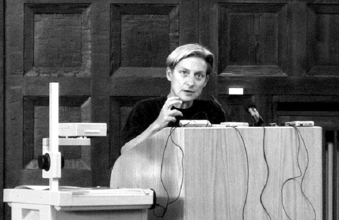 La filósofa Judith Butler durante una conferencia.