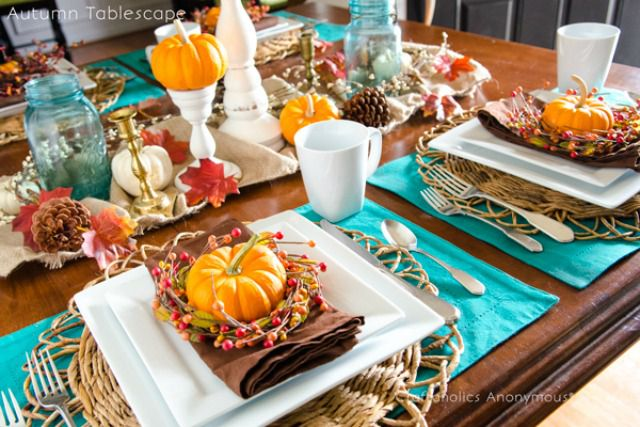 Bright Thanksgiving Table
