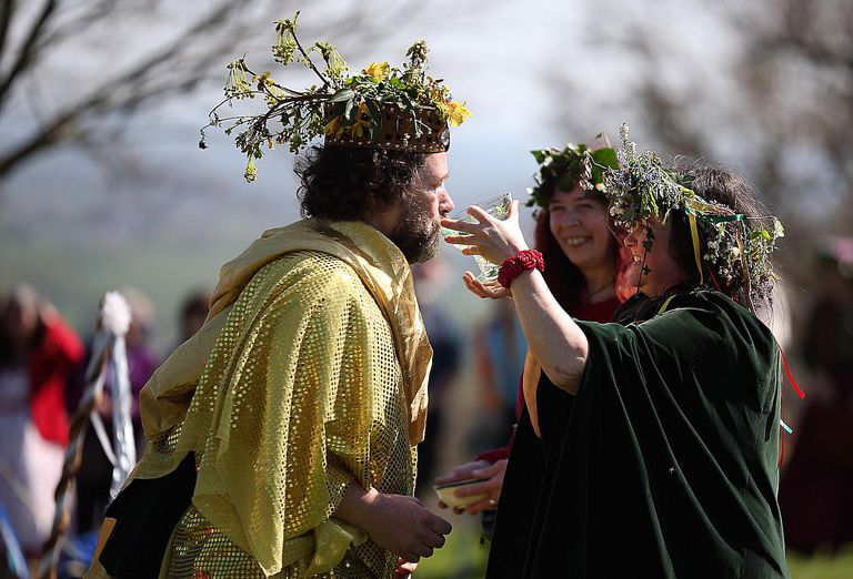 Who Can Perform Your Handfasting
