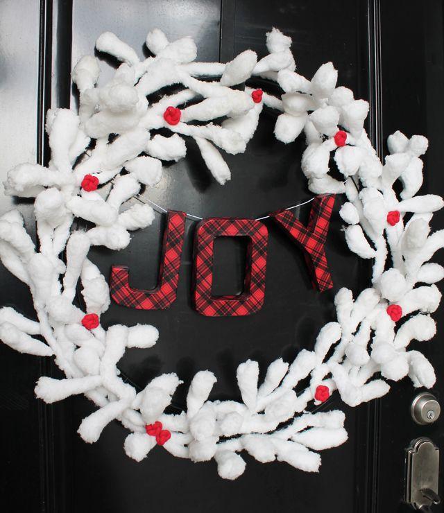 DIY Snowy Branches Christmas Wreath