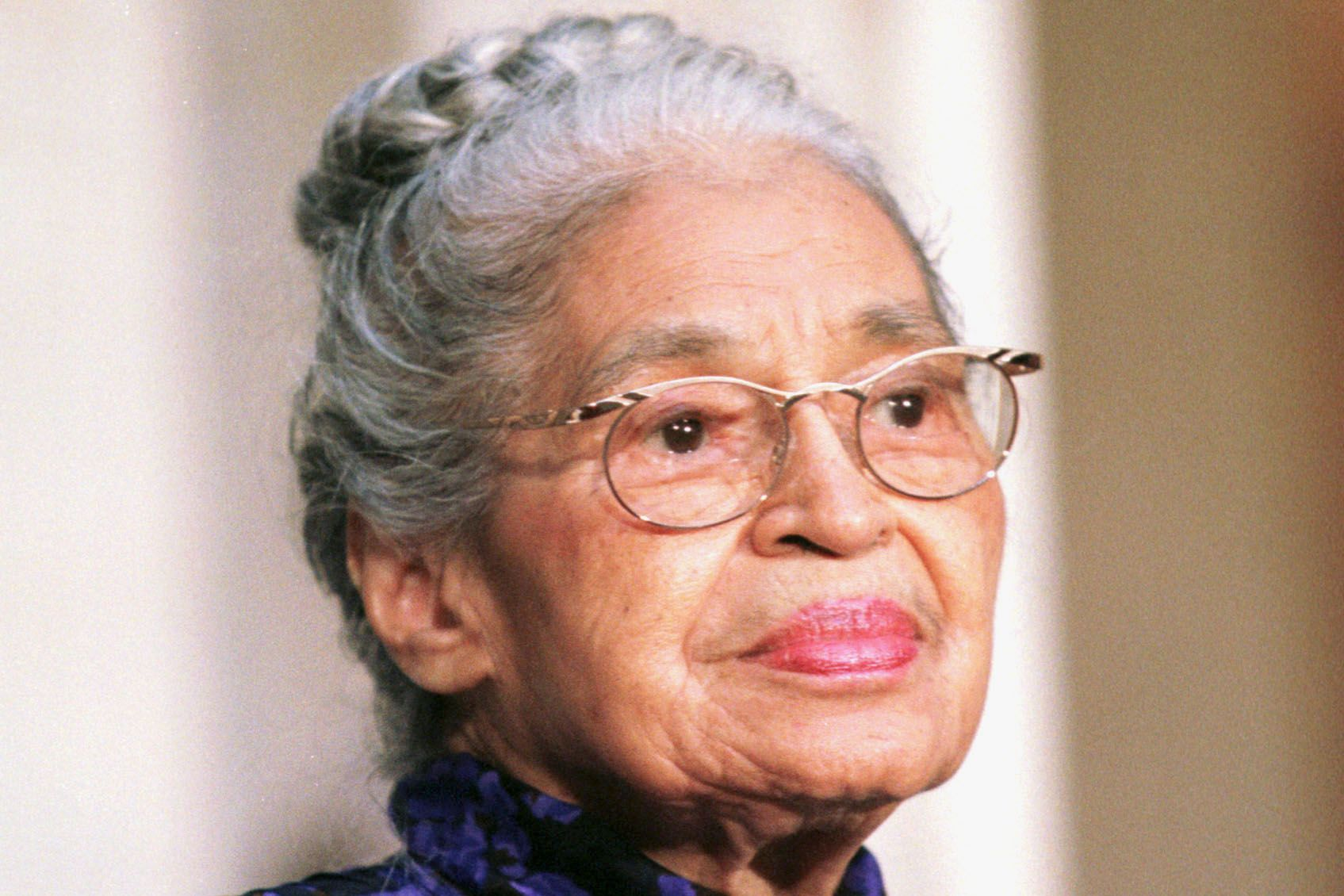 rosa parks 1 Claudette colvin (b, september 5, 1939) is a most of us can name the courageous woman who refused to yield her seat - her name was rosa parks the date in history was dec 1, 1955 parks.