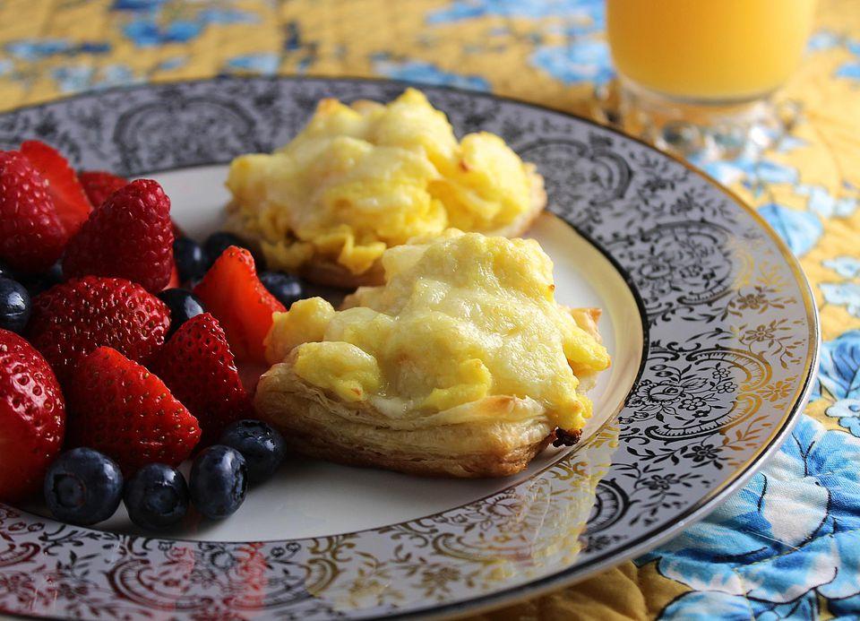 Make-Ahead-Scrambled-Eggs-in-Puff-Pastry.jpg