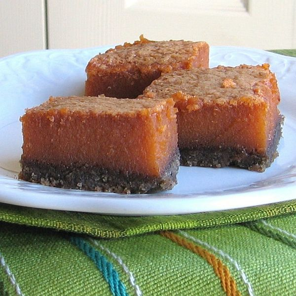 Pumpkin Bars with Gingersnap Crust