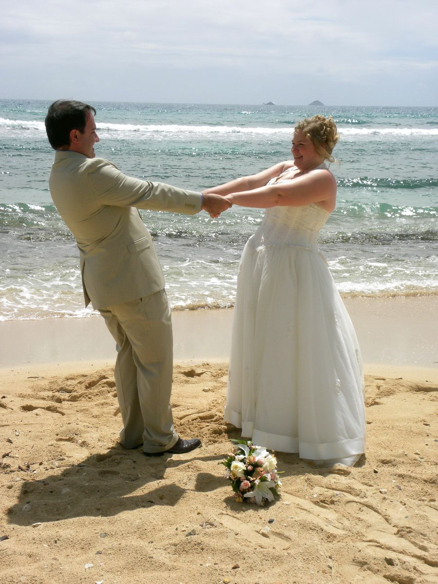 Beach wedding from a cruise ship