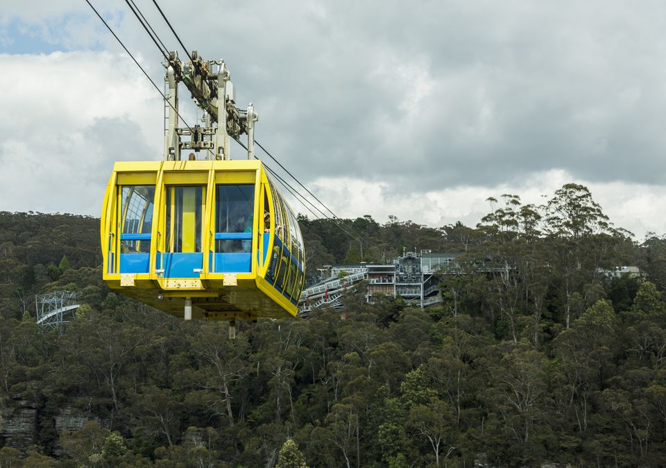 A cable car crossing the canyon at Katoomba.