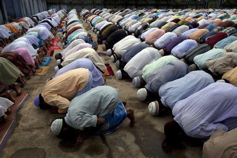 Muslims Offer prayer at Small idgah,Rural Bengal