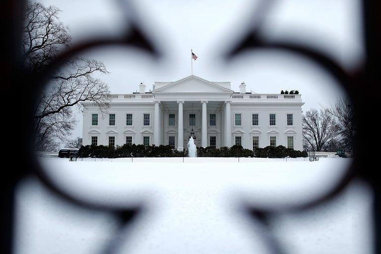 whitehousesnow.jpg