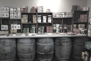 Specialty cracker store display