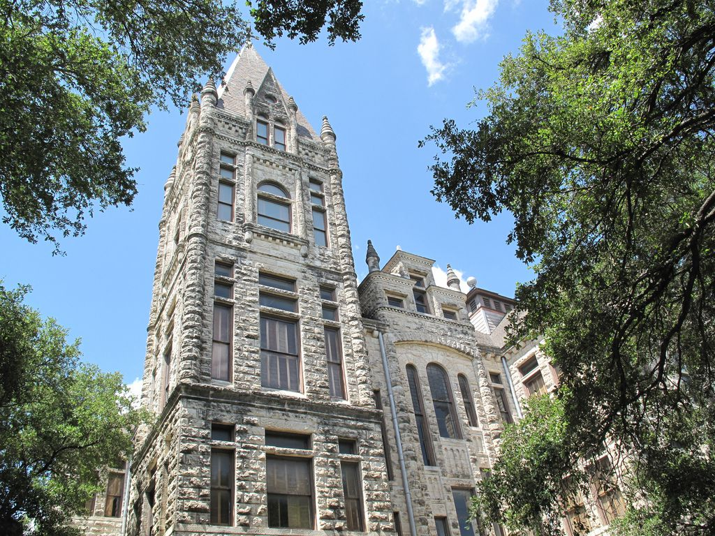 southwestern university case Southwestern university (also referred to as southwestern or su) is a private, four-year, not-for-profit undergraduate, liberal arts college located in georgetown.