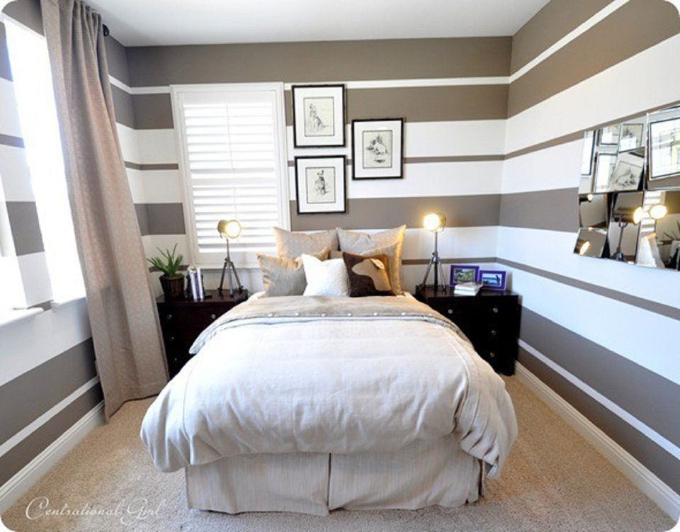 How to decorate a bedroom with striped walls for Small bedroom wall pictures