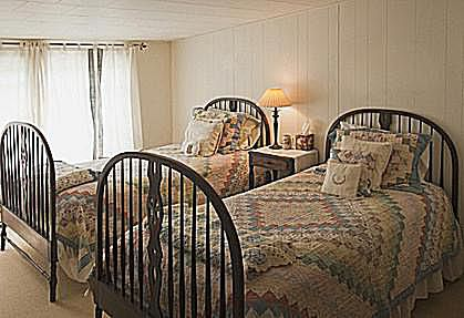 bedding and decorative pillow ideas bedroom of summer cottage