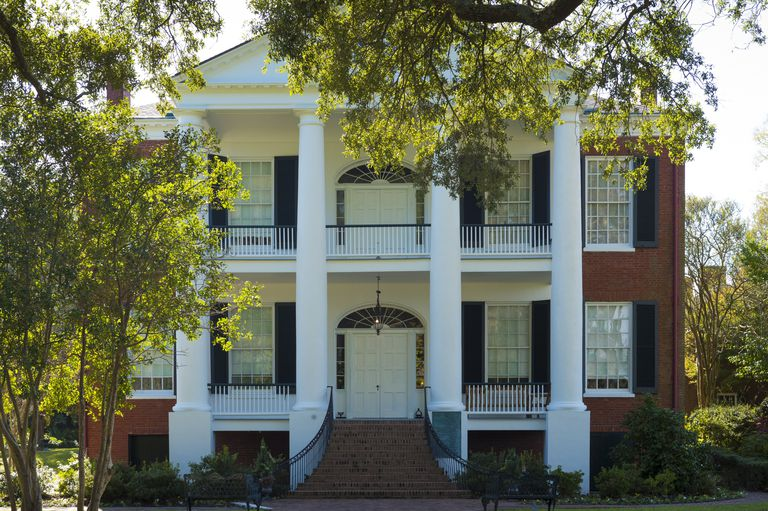 Books about plantation homes of the antebellum south for New homes in mississippi