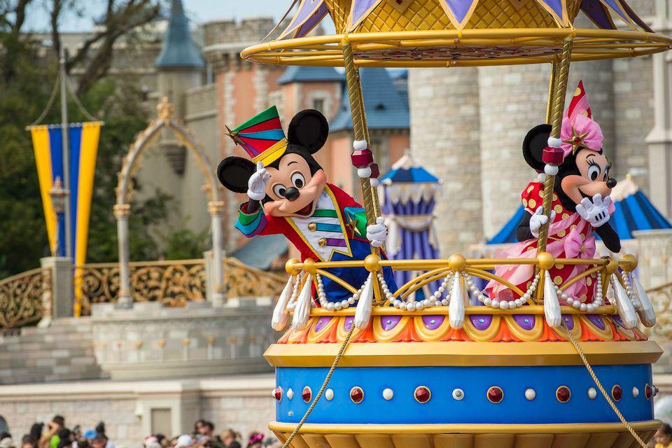 MickeyMinnie_MattStroshane_DisneyParks.jpg