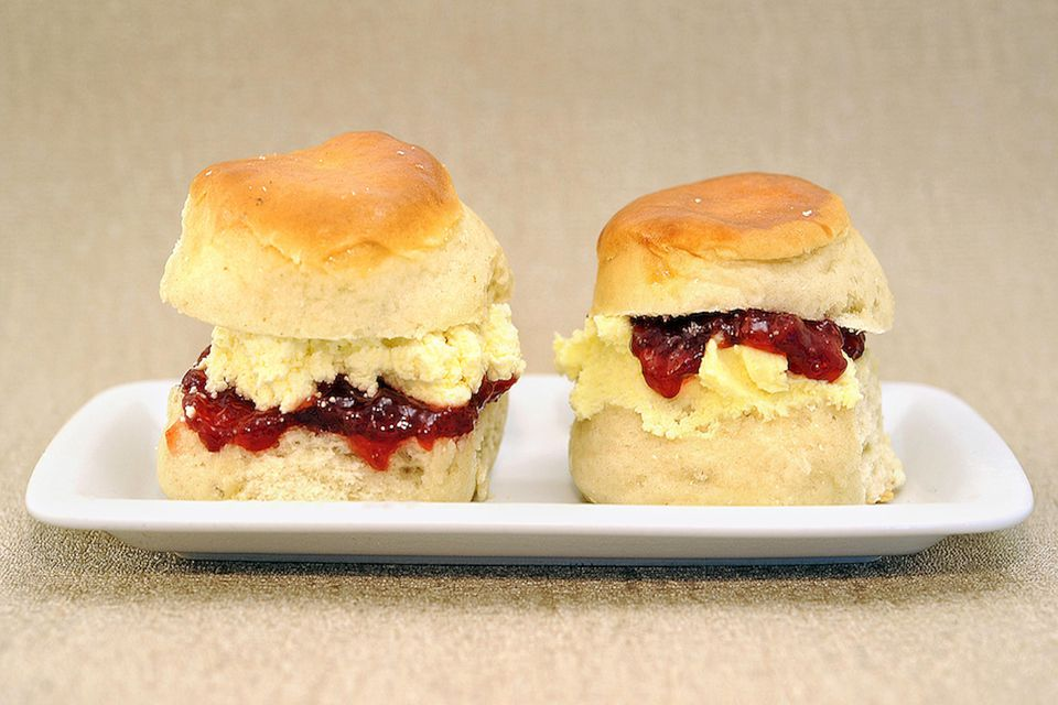 devon-cream-scones