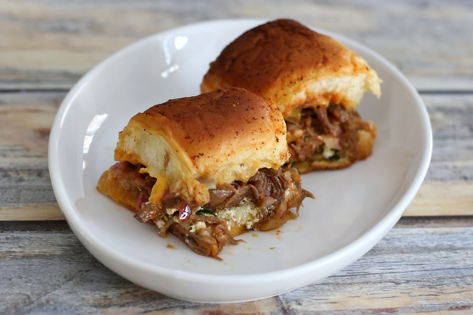 tex mex taco sliders with beef and cheese