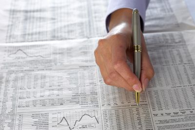 an introduction to understanding the basics of picking and trading stocks Information sources understanding penny stocks by peter leeds our picks for high-quality web sites learning to learn all about penny stocks, trading, and brokers, visit penny stocks basics investopedia.