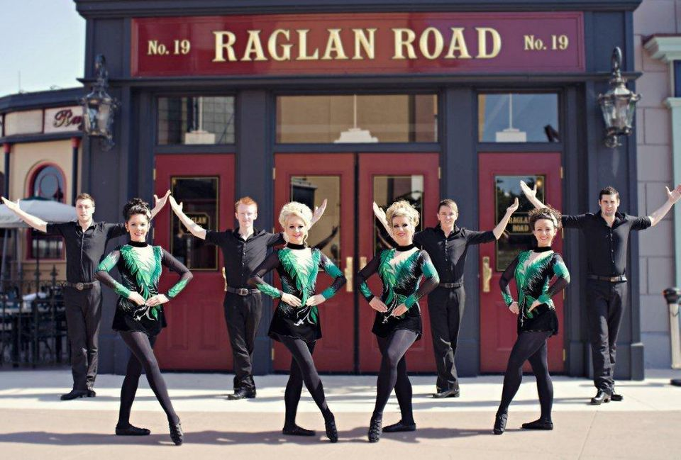 "Dancers at Raglan Road's ""Great Irish Hooley"""