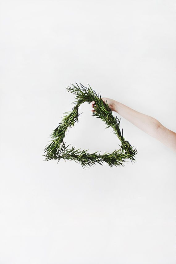 DIY Simple Triangle Wreath