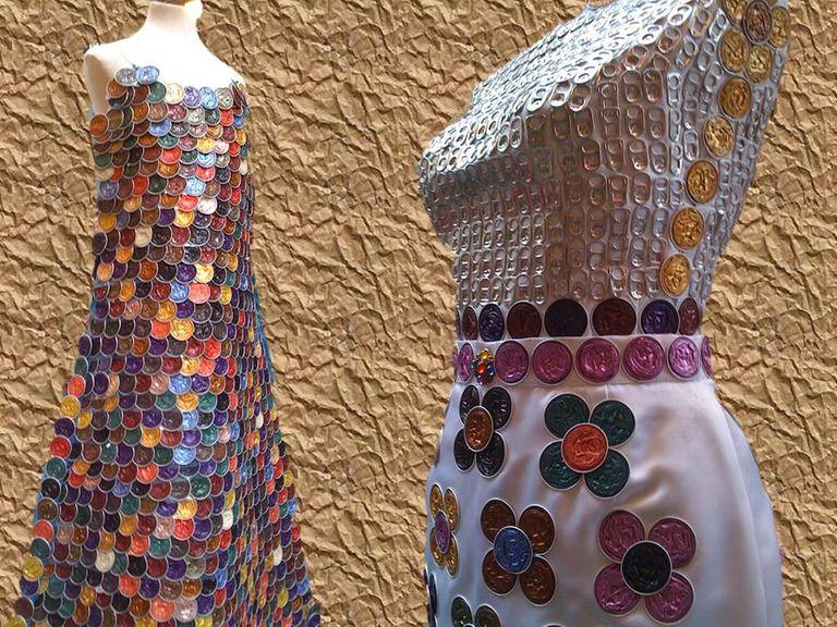 Vestido con materiales reciclados 3