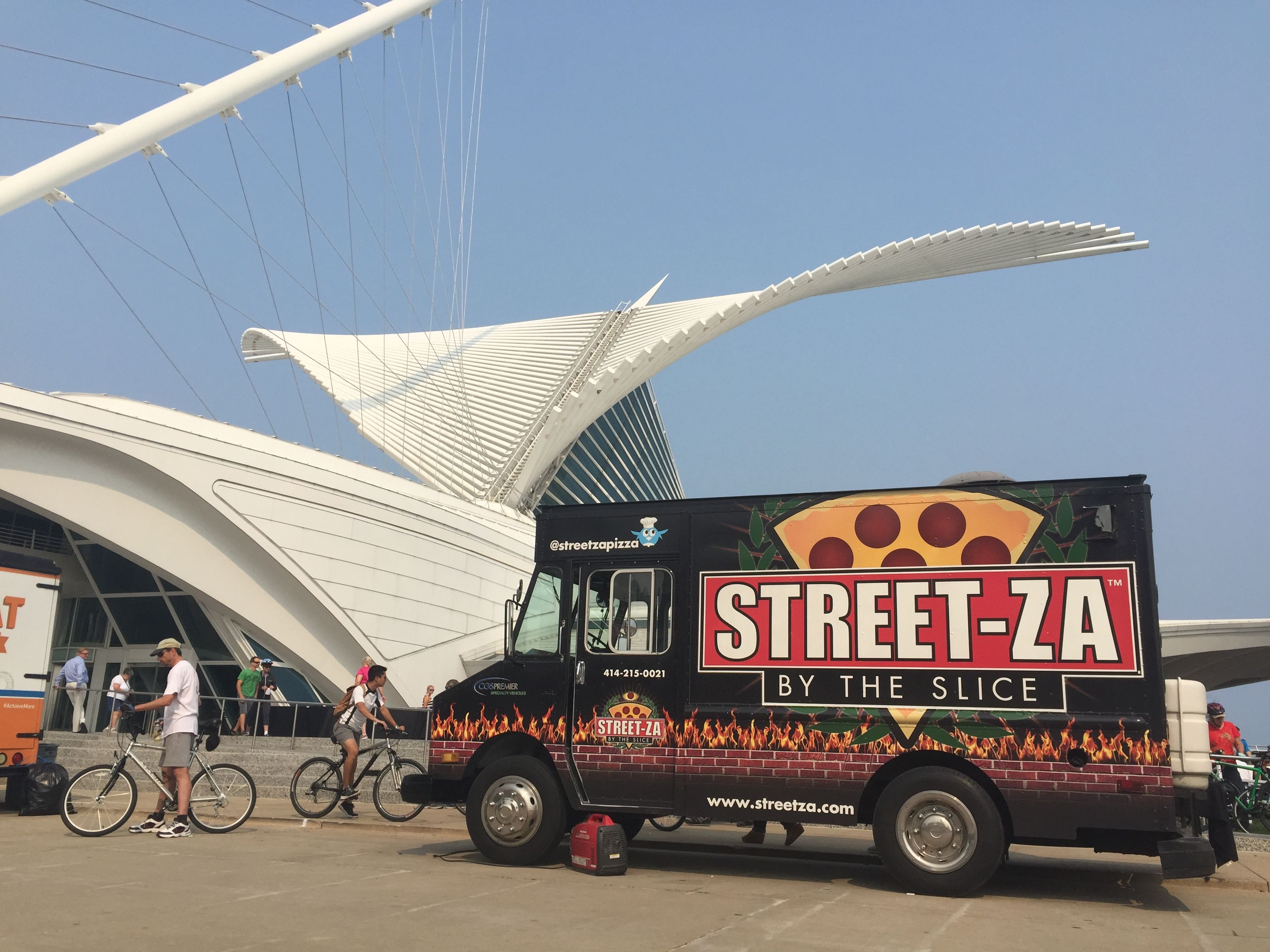 The Best Food Trucks To Try In Milwaukee