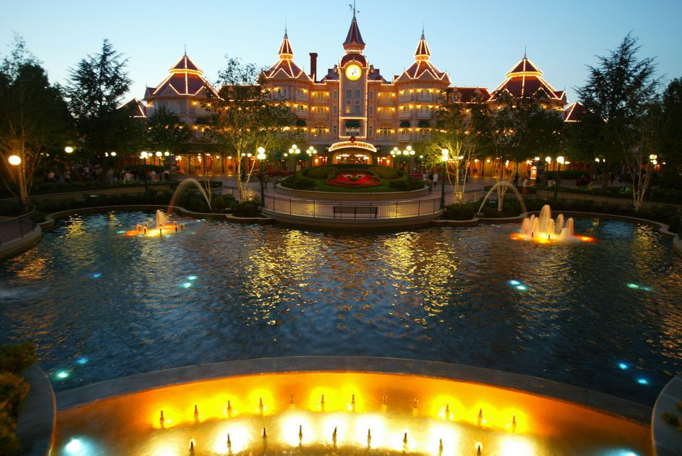 The Disneyland Hotel is ideally located near to the park entrance at the resort.