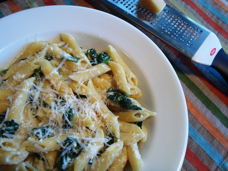 Vegetarian pasta dinner with spinach and ricotta cheese