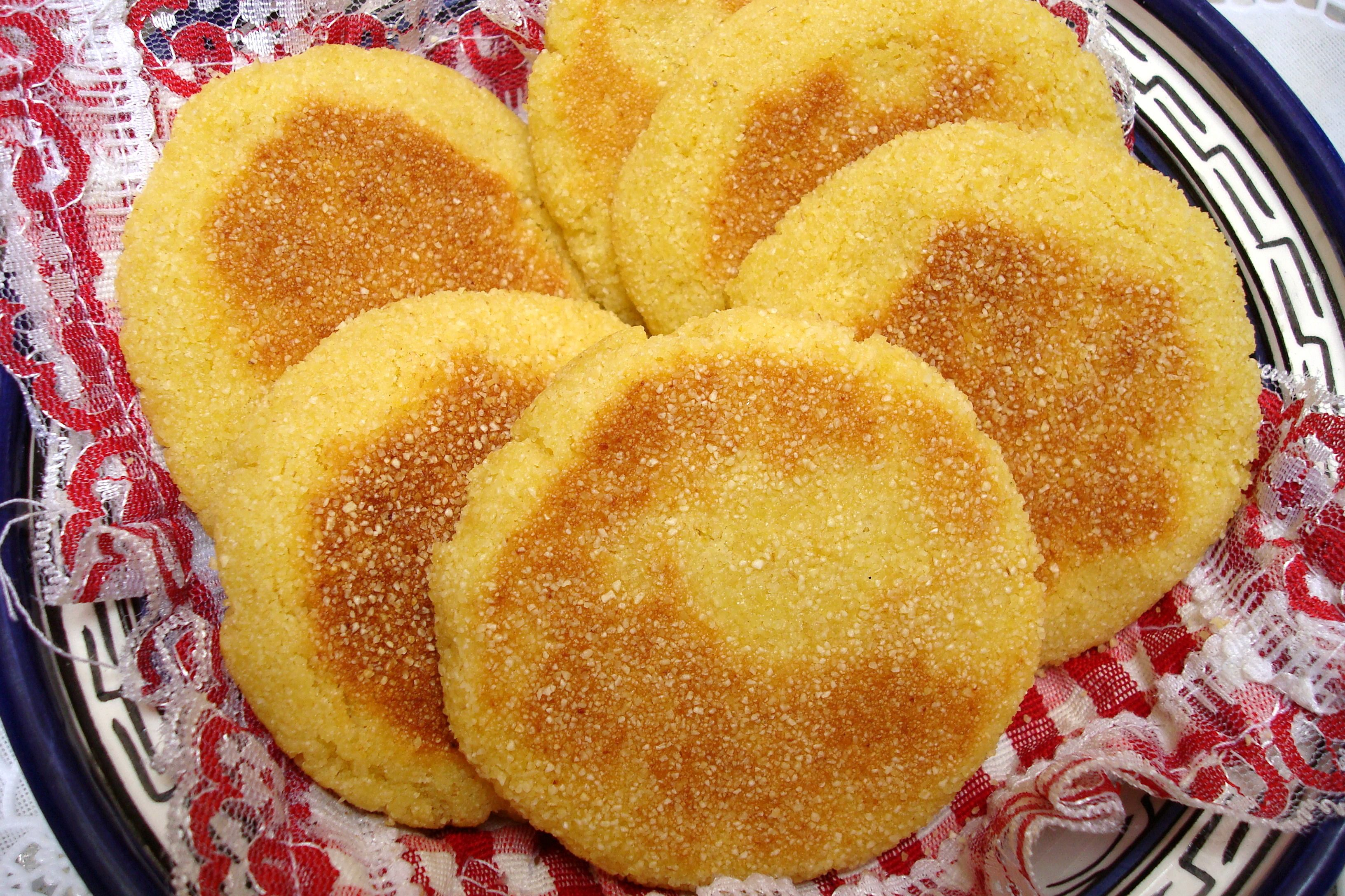 Moroccan harcha semolina flatbread recipe - Moroccan cuisine recipes ...