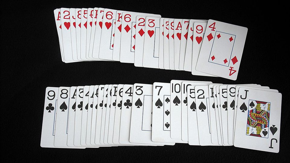 easy-playing-card-trick-02.jpg