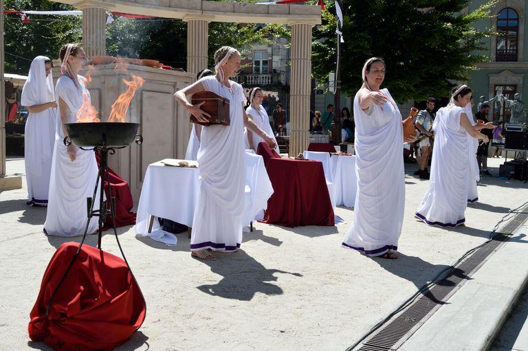 Priestesses of Vesta