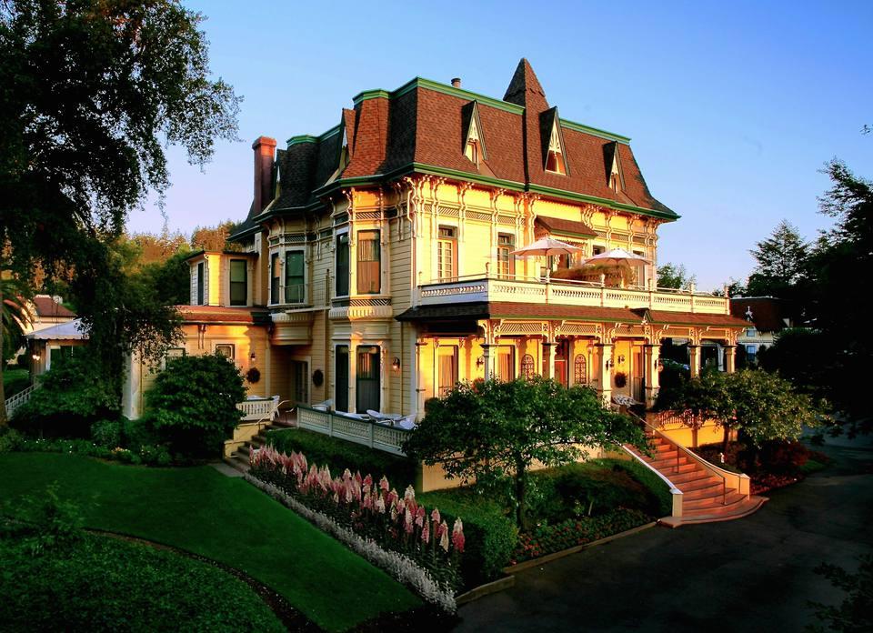 Madrona-Manor-Hotel-Sonoma-Mansion.jpg