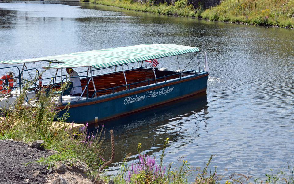 Blackstone Valley Explorer Fall River Cruises
