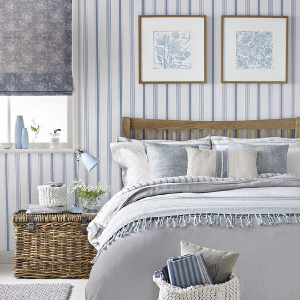 Decorate Walls In Bedroom: How To Decorate A Bedroom With Striped Walls