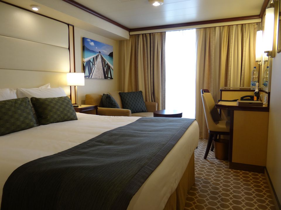 Regal princess cruise ship cabins and suites for Balcony in cruise ship