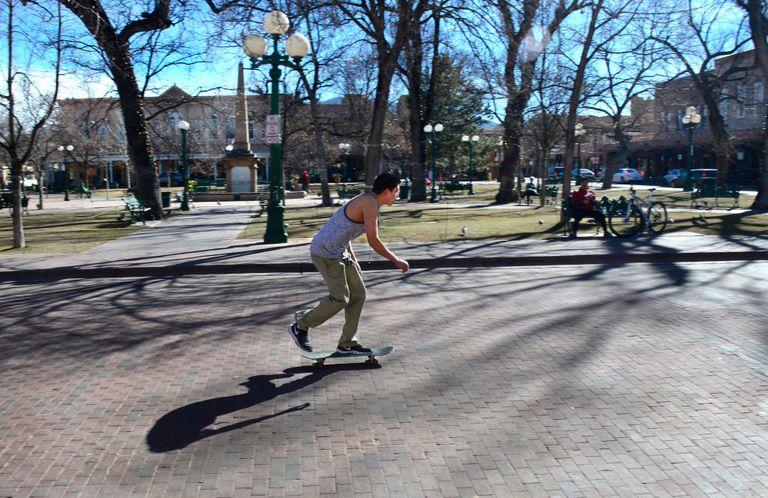 Skateboard Kickturn
