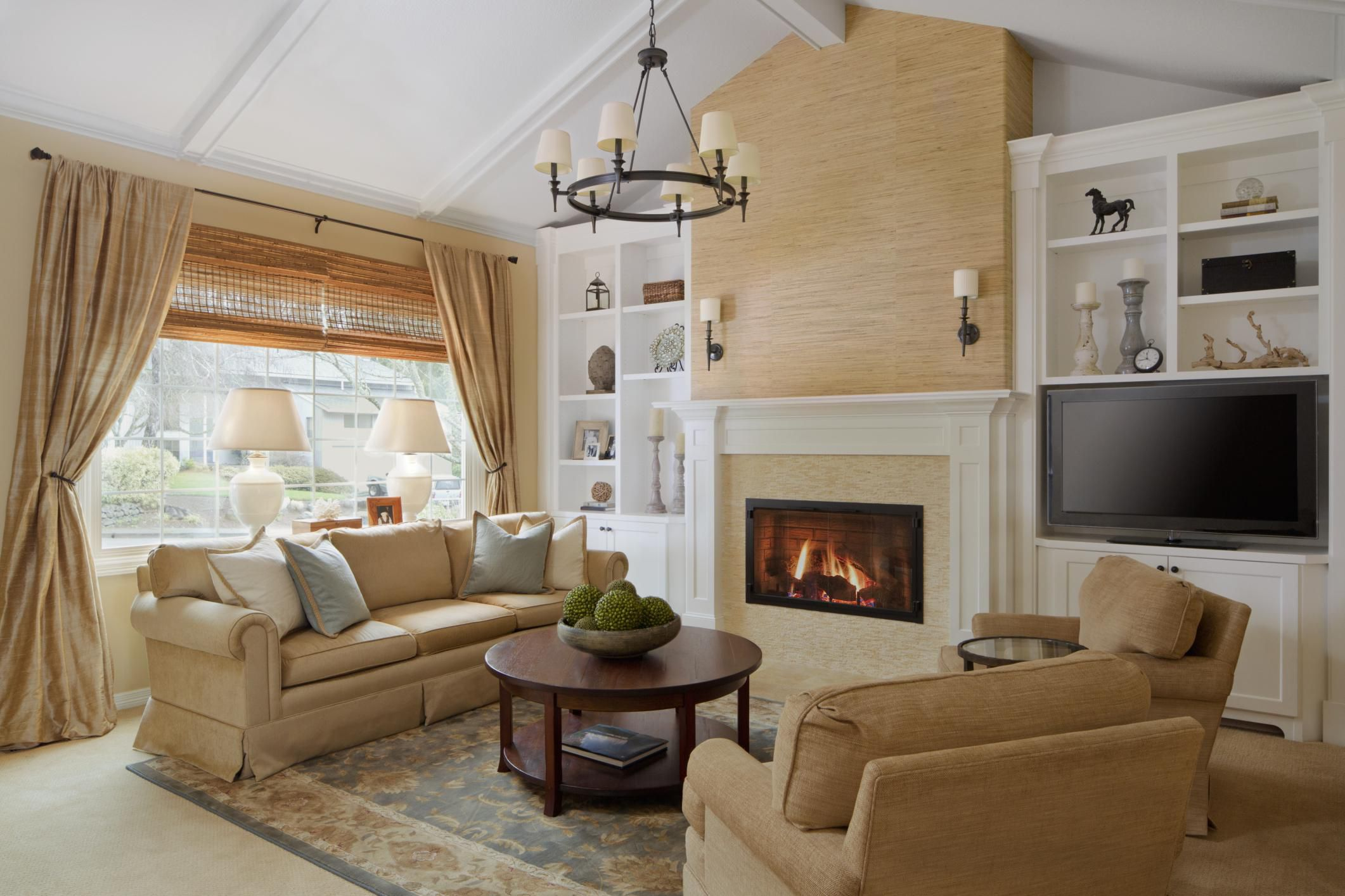 10 rules for arranging furniture for Family room arrangements