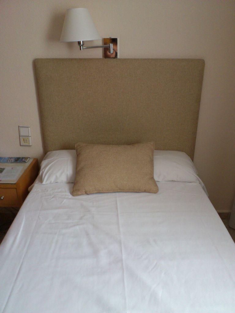 Cabeceros de cama tapizados, cómo hacerlos, cómo usarlos