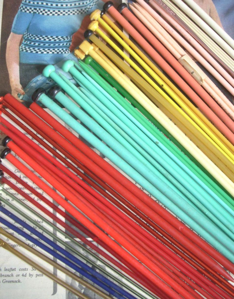 A gorgeous bunch of vintage knitting needles, they are such beautiful colours