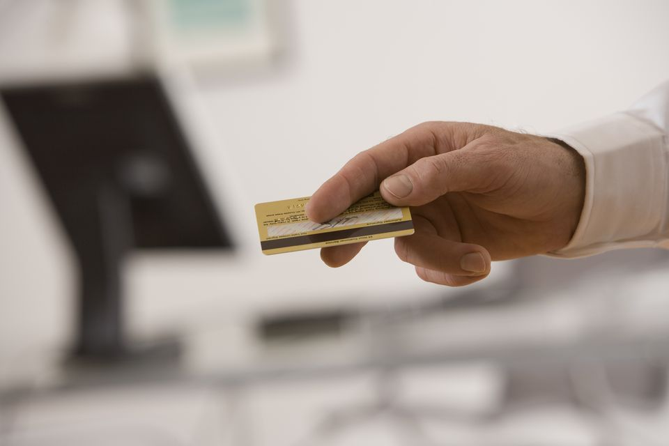 There are advantages to paying for your rental car with a credit card.