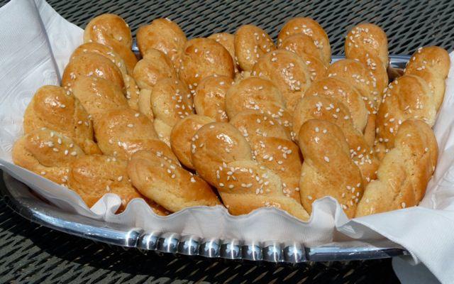 Greek Butter Cookies With Sesame (Koulourakia)