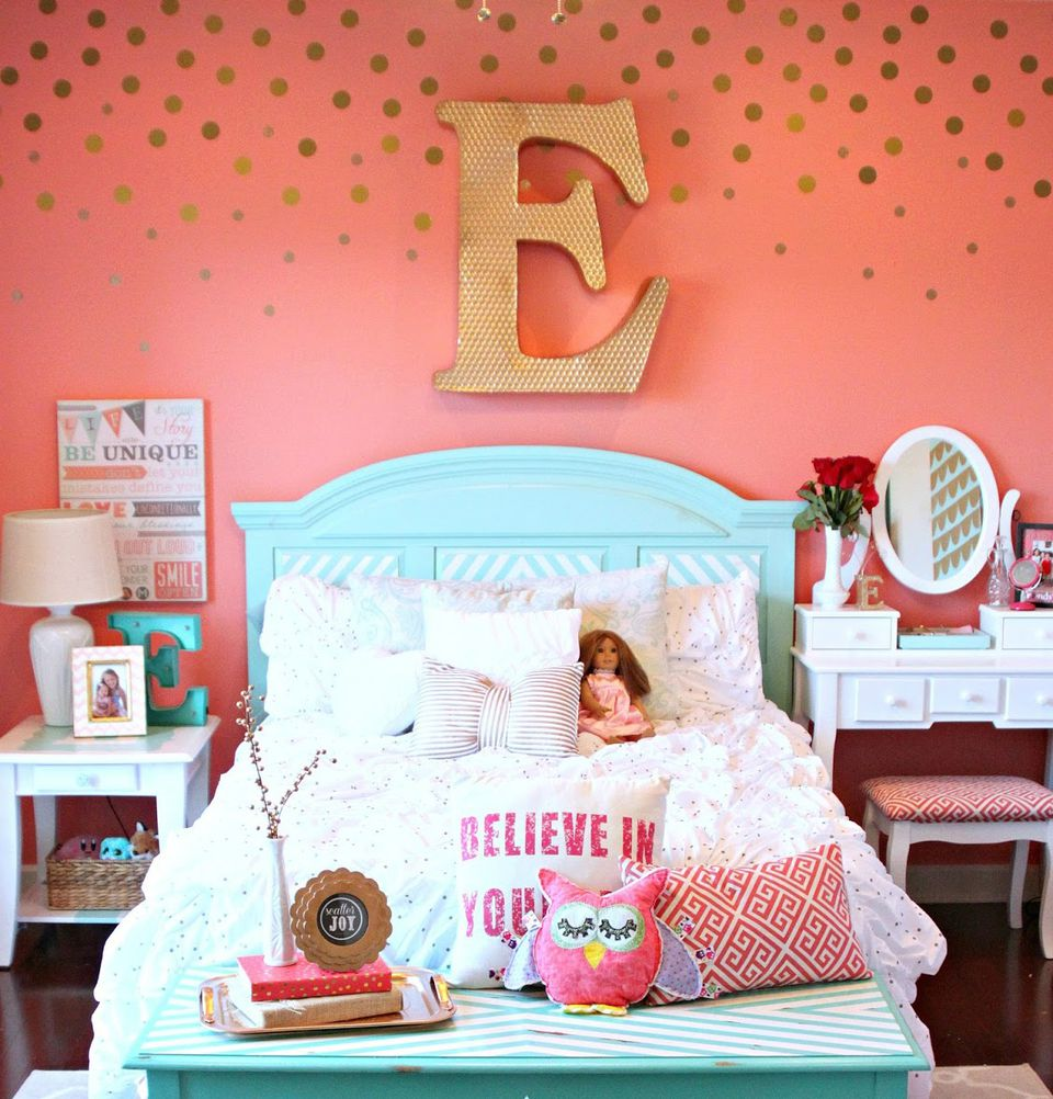 Girls room with gold polka dot decal wall art. 24 Wall Decor Ideas for Girls  Rooms