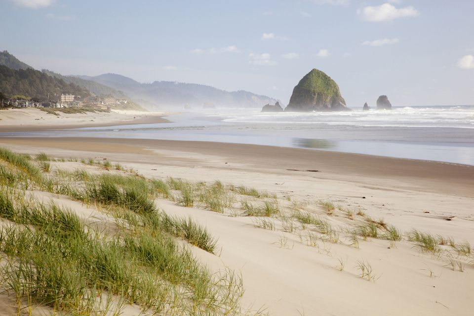 Cannon Beach and Haystack Rock, Oregon Coast, Oregon, USA