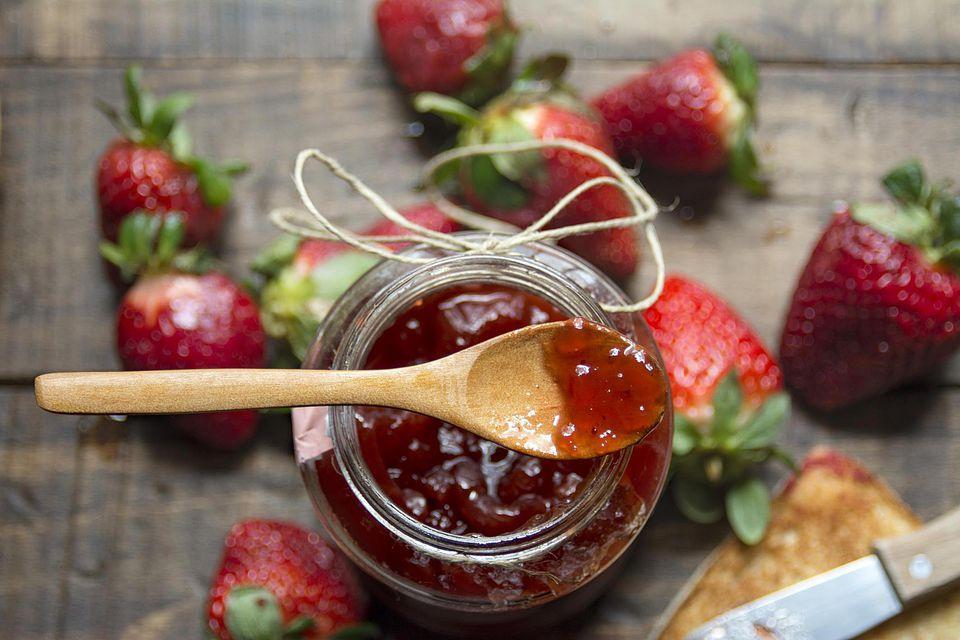 Strawberry jam, fresh strawberries