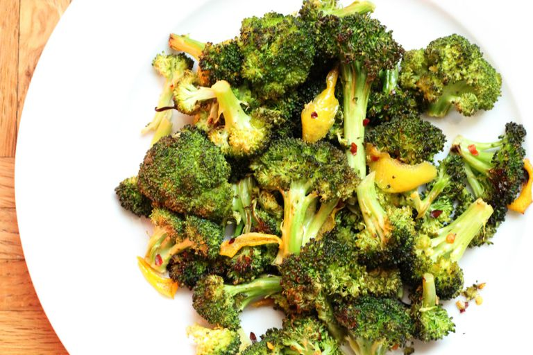 low-carb lemon roasted broccoli