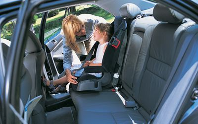 Can I Use Latch And A Seat Belt To Install A Car Seat