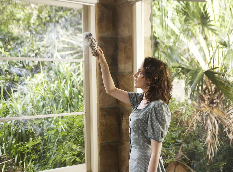 How To Smudge Your House In 5 Easy Steps