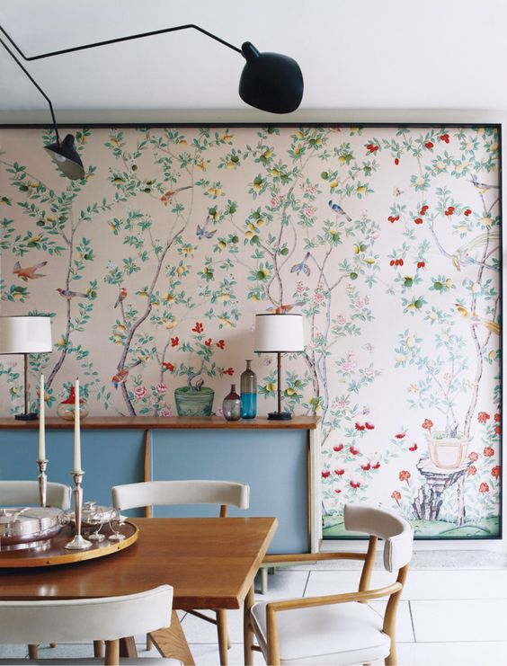 25 amazing dining rooms with wallpaper for Dining room wallpaper
